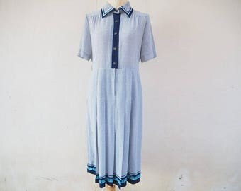 1980s vintage white and blue collar dress /  midi dress/ short sleeves dress/ summer dress size medium