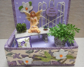 Miniature roombox - a fairy in the garden