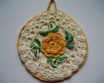 REDUCED - 1940's Crocheted Pan Holder with Flower Design