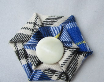 Clan Hannay tartan brooch, Scottish tartan brooch, Scottish Clan fabric pin, Ready to ship
