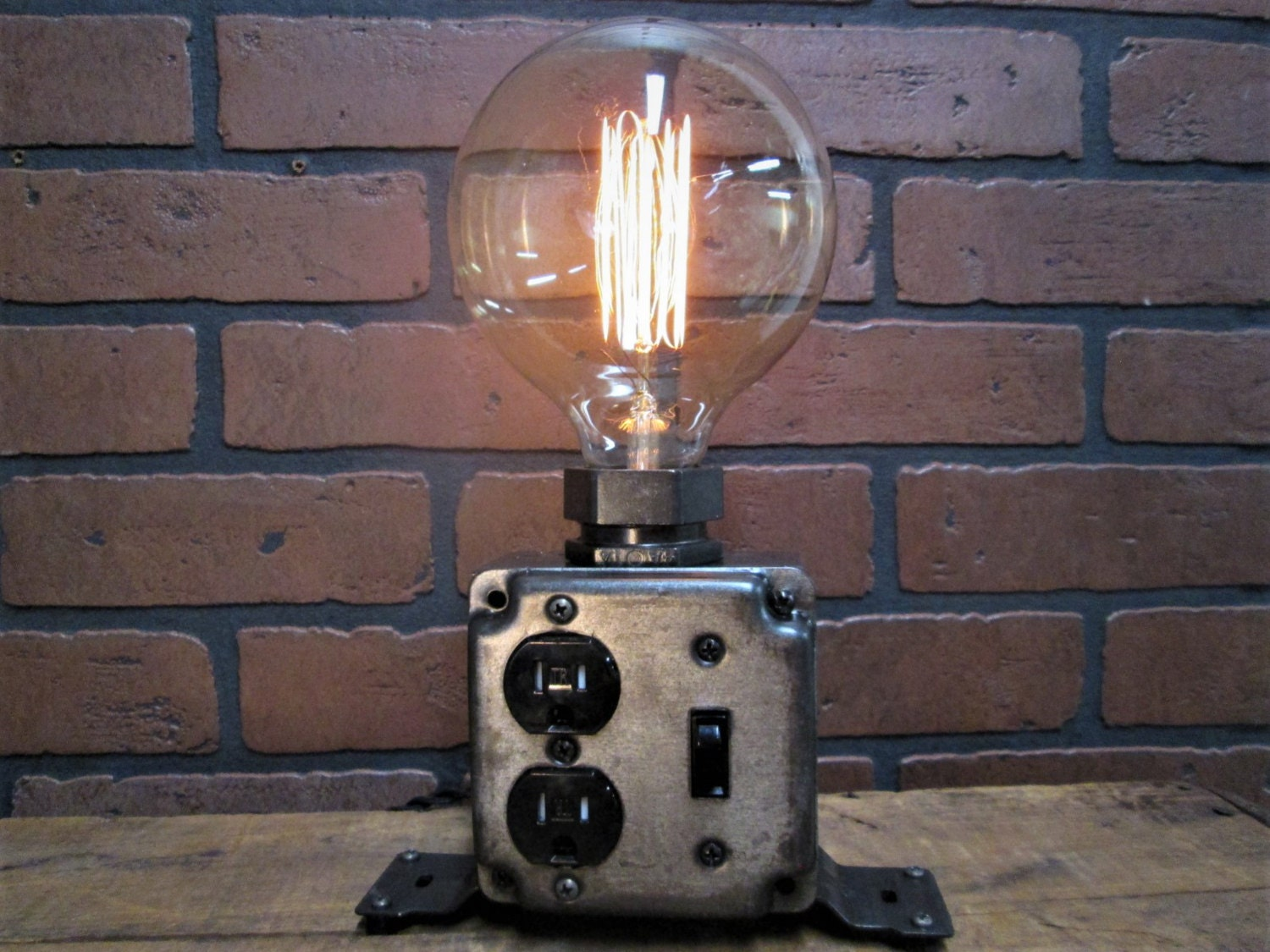 Industrial Desk Lamp Charging Station Cell Phone Charger