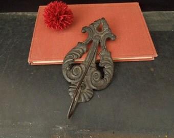 Wall Hook Metal Lyre - Receipt Bill Holder - Decorative Wall Display - Musical Instrument Shape - Office Decor Prop