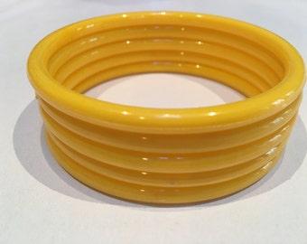 Vintage Bangle Bracelets - Plastic - Set of 5