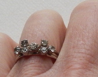 Lovely Vintage Austrian Costume Jewelry Ring!