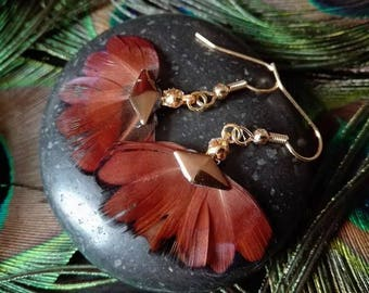 Feathers earrings.