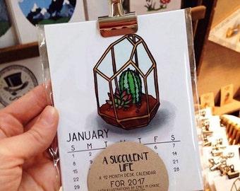 A Succulent Life Desk Calendar: 2017