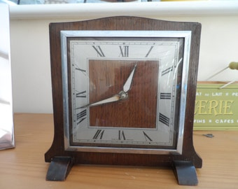1950's – 1960'S Vintage Wooden Smiths Art Deco Clock with Hour and Minute hands wind up mechanism