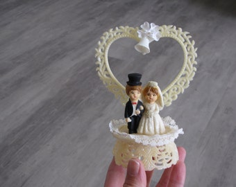 Vintage Heart Bride and Groom Wedding Topper