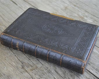 Beautiful antique leather bound Holy Bible old and new testament English 1862