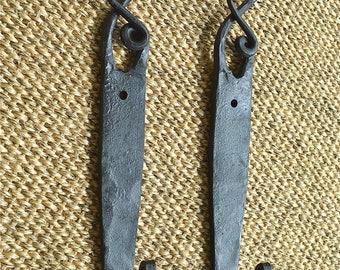 A pair of hand beaten wrought iron antler hooks coathook hanger door coat hook Y4