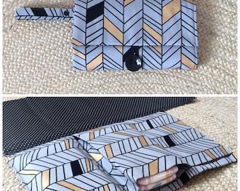 Nappy Wallet / Diaper Clutch with built-in waterproof Change Mat