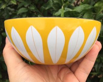 "Cathrineholm Yellow with White Lotus Bowl 5.5"" Enamelware"