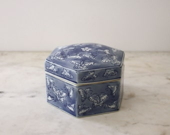 Vintage Chinoiserie Blue and White Pentagon Porcelain Box with Butterflies