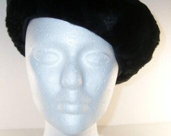 Black Sheared Beaver or Rabbit Fur Beret Hat Vintage