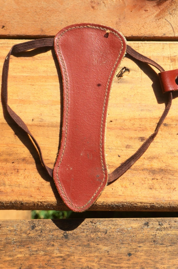 Archery arm guard, Vintage small red arm guard