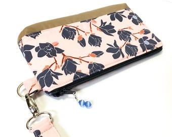 Flower wristlet / date night clutch / evening bag / summer wristlet / art gallery fabric
