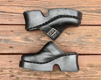 Platform black leather clogs / siZe women's US 9 / Free shipping