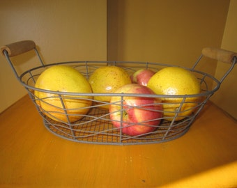 Metal Basket, Wire Basket. Wire Egg Basket, Vintage Basket , Fruit Basket, Farmers Market Basket ~ Metal Basket with Wood Handles
