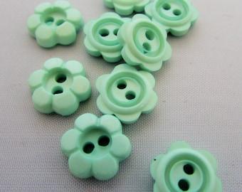 15mm Mint Daisy Flower Buttons