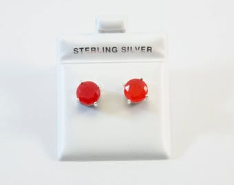 Round-Shaped Red Jade Stud Earrings