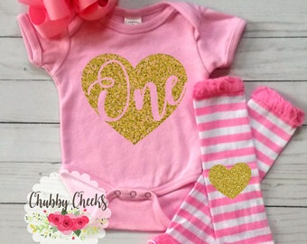 baby girls first birthday outfit. pink and gold glitter set. cake smash outfit.