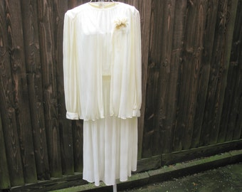 Grecian Dress, Cream Dress, 1970s Dress, Pleated Dress, Dress And Jacket, Wedding Dress, 1970s Fashion, Wedding Outfit, Grecian Style