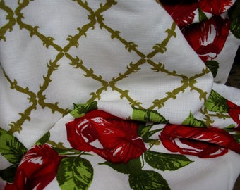 Red Rose Tablecloth, French Tablecloth, French Linens, French Decor, Floral Tablecloth, Vintage Tablecloth, French Vintage, Rectangular