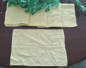 Vintage Yellow Table setting, Four Napkins and Center  piece