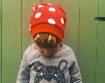Kids Slouchy Beanie, Toddler Slouchy Beanie, Baby Slouchy Beanie, Baby boy gift, baby girl gift, organic baby gift, red polka dots