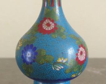 Chinese cloisonne vase. Asian cloisonne enamel vase. Cloisonne collectible.