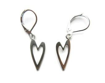Heart earrings, heart shaped earrings, valentine earrings, silver earrings, silver dangles, minimalist earrings, minimalist jewelry, 925
