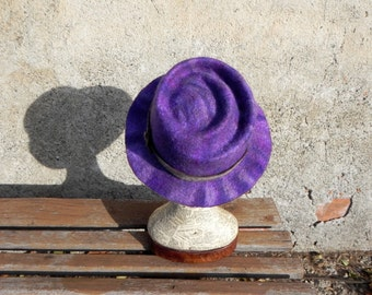 Felted hat spiral shades of violet, unique felt hat, violet felt hat, handmade felted hat