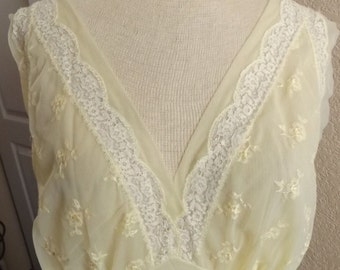 SALE Vintage Van Raalte Pale Yellow Negligee Night Gown 38 Made in USA