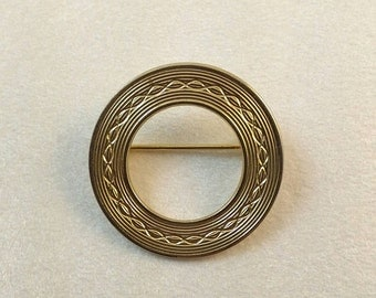 Vintage Round Etched Gold Brooch Pin