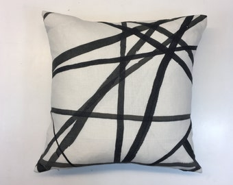 """Kelly Wearstler Channels Ebony and Ivory 18x18"""" Cushion Cover"""