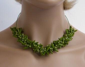 Choker with green beads