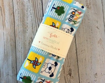 Newborn Swaddle Wrap, Tiny Toes, Gender Neutral, Receiving Blanket, Swaddler, Baby Shower Gift, Baby Blanket