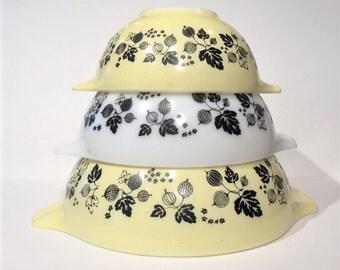 Pyrex Gooseberry Cinderella Mixing Bowls Set of 3, Vintage Pyrex Nesting Bowls, Gooseberry Yellow
