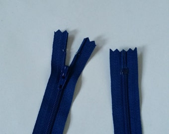 Closed end polyester zip - 55cm - Blue