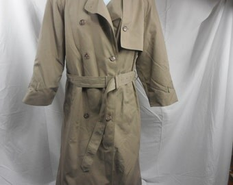 25% OFF Women's London Fog Beige Tan Paisley Insulated Inter lining Winter Trench Coat, Women's Petite 10 London Fog Trench
