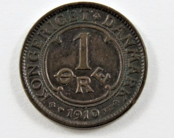 Denmark 1910 V B P, G P One Ore Coin with Double Die Breaks to the Left of Crowned Monogram.