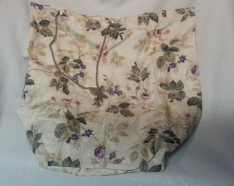 Beige Floral Laundry Bag