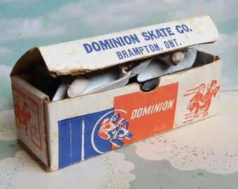 1960s Dominion Skate Co - Brampton Ontario Canada - Adjustable Children's Bob Ice Skaters Boxed