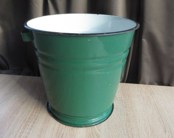 Green enamel bucket,  enamel pail, pail, farmhouse, vintage, Made in USSR, Soviet, flower bowl, garden decor, lamp shade