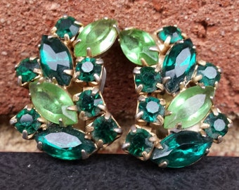 Vintage Pair Rhinestone Earrings - Clip On Non Pierced - Emerald Green and Peridot Colored Gemstones - 1950s 1960s Costume Jewelry Retro