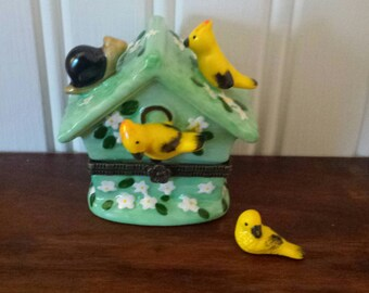 Vintage Ceramic Birdhouse TRINKET Box With Trinket, JEWELRY BOX, Bird Decor, Bird Watchers Gift Idea, Bird Lovers Gift Idea, Yellow Birds