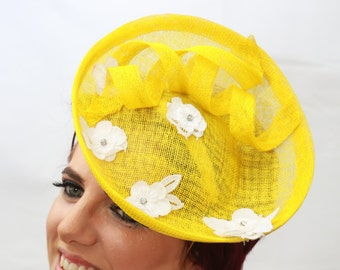 Yellow Fascinator Hat.Vintage floral lace.Wedding Hat.