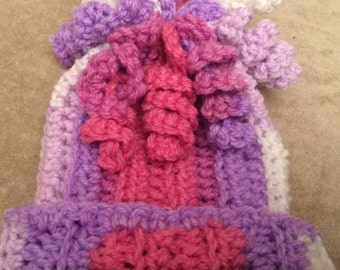 Handmade Crochet Baby Spiral Hat         Sizes 0-3 to 6-12 Months Old