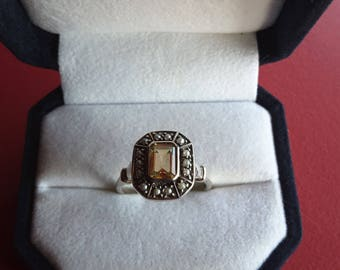 Vintage Sterling Ring set with a citrine honey and pearls - gift - Present - anniversary - Valentine's day