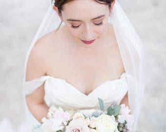 Pearl Cluster Hair Garland | Delicate Gold Bridal Hair Vine | Handmade Hair Jewelry for Modern, Romantic Brides | Elegant Bridal Style